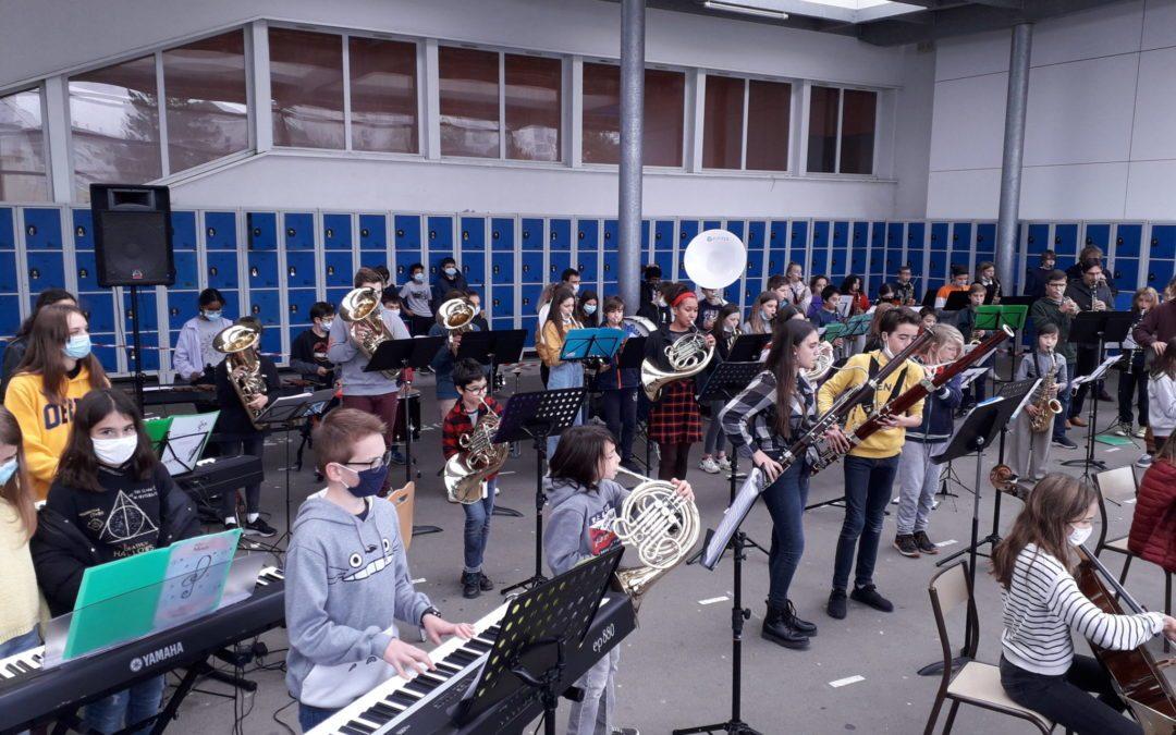 Concert des élèves CHAM au collège